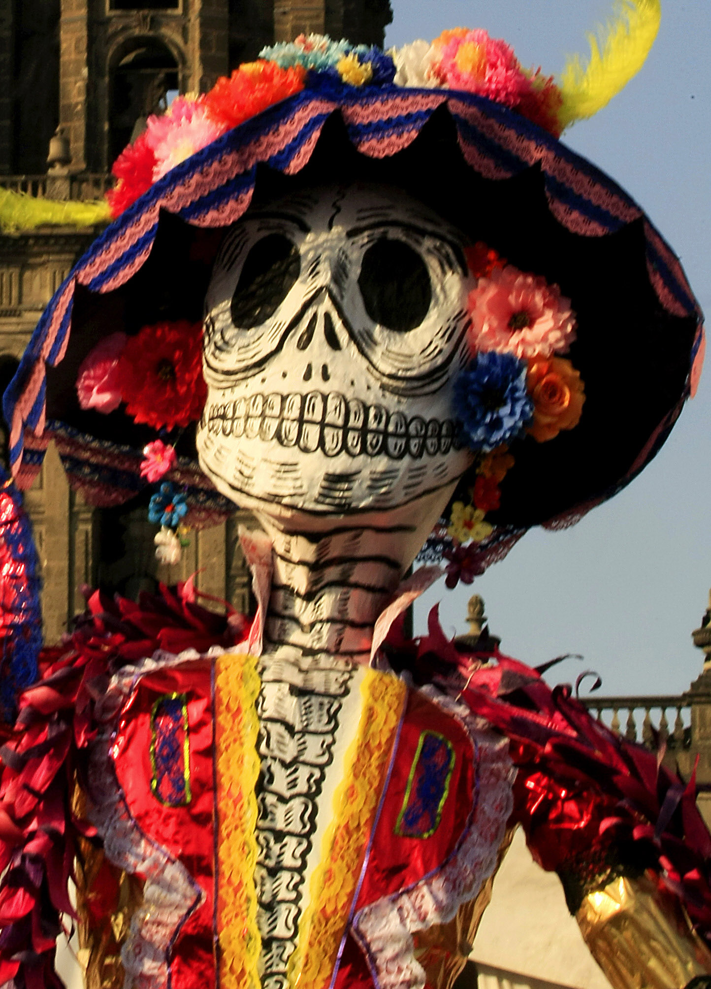 day of the death holiday in mexico Day of the dead (spanish: día de muertos) is a mexican holiday celebrated throughout mexico, in particular the central and south regionsthis holiday coincides with the catholic all soul's & all saint's day, and the indigenous people have combined this with their own ancient beliefs of honoring their deceased loved ones.